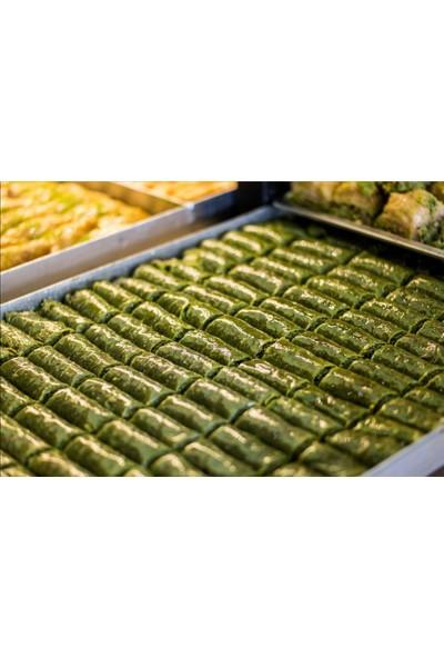Hüseyinoğlu Baklava-Börek Fıstıklı Dürüm Baklava Küçük Tepsi 2 kg