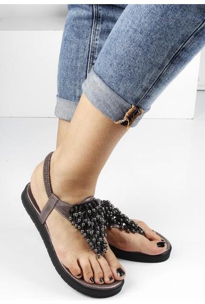Veyis Usta Taşlı Sandalet