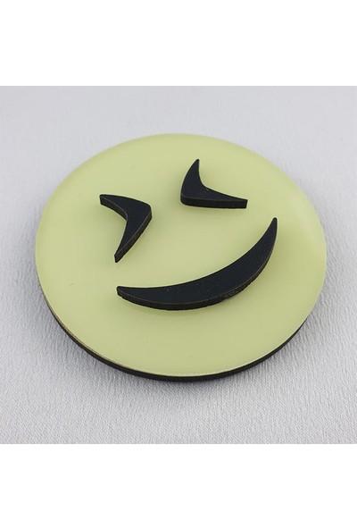 Fosforlu Emoji ( Karanlıkta Parlar ) Fosforlu Duvar Süsü, 6,5 cm