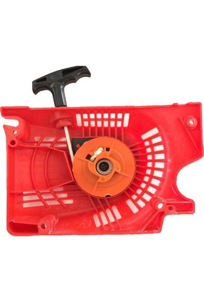 Agromec Benzinli Kesim Motoru İçin Dört Tırnaklı Starter Yan Kapağı Kırmızı Renk