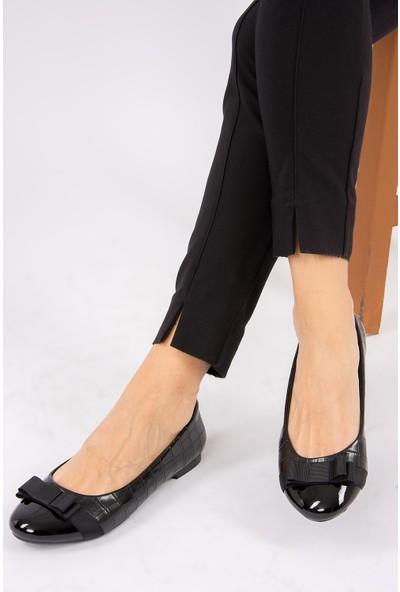 Fox Shoes Siyah Kadın Babet G726019511