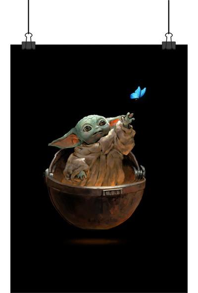 13 Poster Star Wars Mandalorian Baby Bebek Yoda ve Mavi Kelebekli 48 x 33 cm Poster