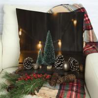 Henge Yılbaşı Noel Süs Ağacı ile Çam Kozalakları Parlak Süslü Yastık Kırlent Kılıfı