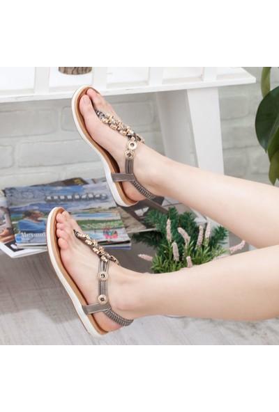 Adım Adım Kadın Parmak Arası Sandalet