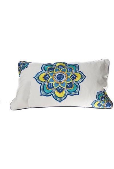 Ezem Beyaz Üzerine Sarı Mavi Çiçekli Yastık PQ003