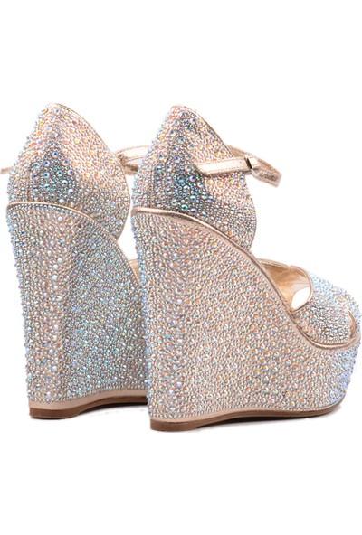 Derinet Dore Dolgu Topuk Bantlı Kadın Ayakkabı