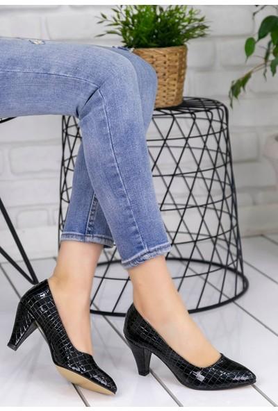 Pirmoda Maryy Siyah Rugan Yılan Detaylı Ayakkabı