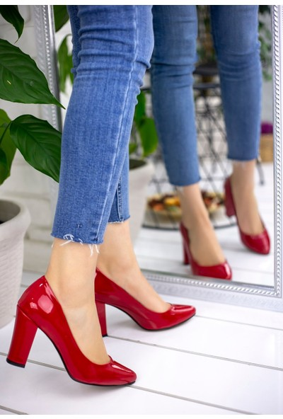 Pirmoda Patti Kırmızı Rugan Topuklu Ayakkabı