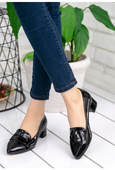 Pirmoda Reyna Siyah Rugan Topuklu Ayakkabı