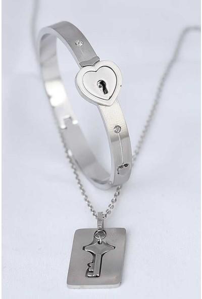 E-Bijuteri Anahtarlı Kelepçe Çelik Kolye ve Kalpli Paslanmaz Çelik Bileklik Seti