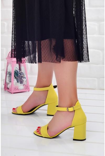 Ayakland 2013-05 Cilt 7 Cm Kadın Orta Boy Topuk Ayakkabı Sarı