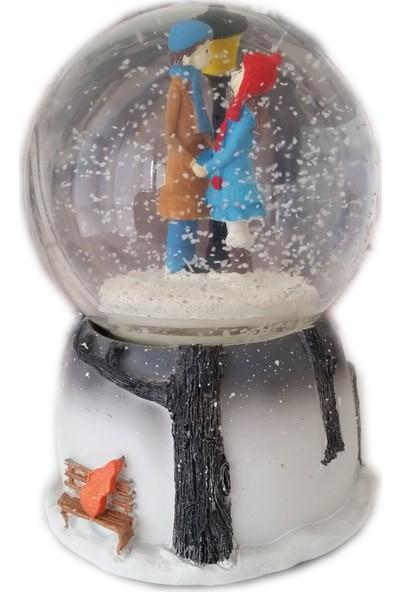 1001 Hediye Kış Masalı Işık Altında Ayakta Sevgili Kar Küresi Kurmalı Müzikli