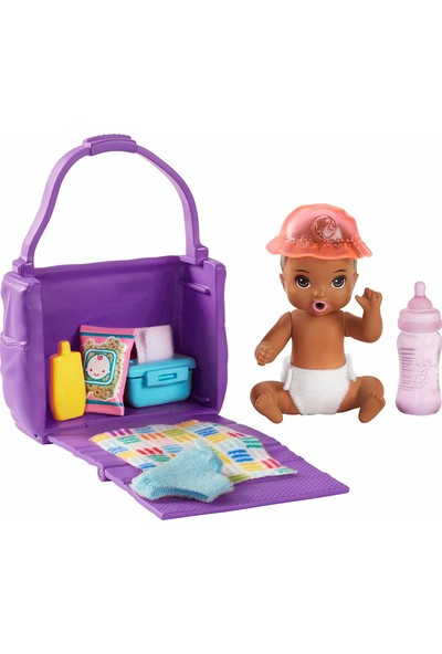 Barbie Bebek Bakıcısı Özellikli Minik Bebekler Bez Değiştirme Zamanı GHV83 - GHV86