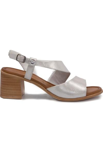 Mammamia D20Ys 1830 Beyaz Terlik Sandalet