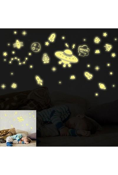 Dez Çocuk Odası Uzay Temalı Karanlıktan Parlayan Sticker