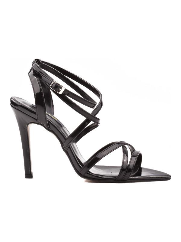 Derinet Klasik Siyah Rugan Çok Bantlı Kadın Ayakkabı