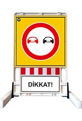 İlgi Trafik Katlanır Uyarı Levhalı Bariyer Öndeki Taşıtı Geçmek Yasaktır
