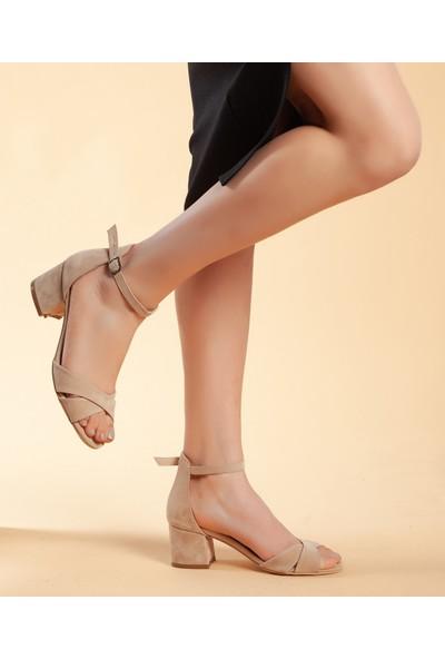 Daxtors D204 Kadın Günlük Klasik Topuklu Ayakkabı 38