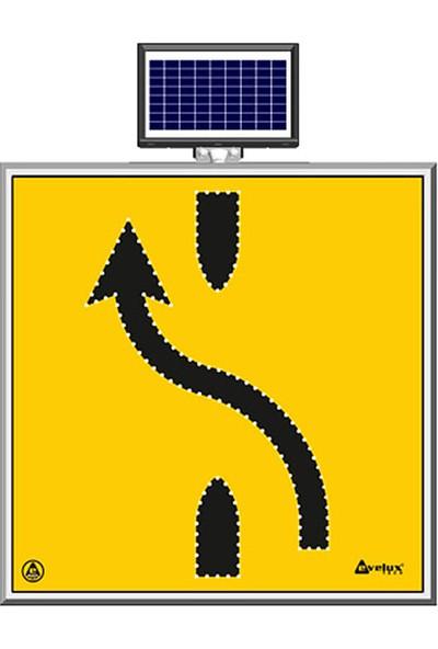 İlgi Trafik Güneş Enerjili Ledli Şerit Aktarım Sağdan Sola Trafik Yol Bakım Uyarı Levhası