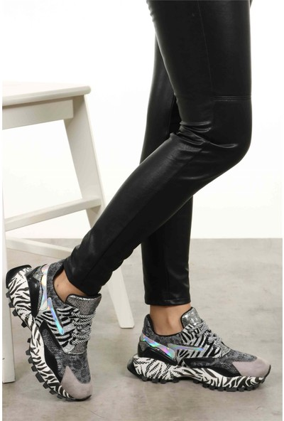 Mio Gusto Artemis Gri Zebra Desenli Sneaker