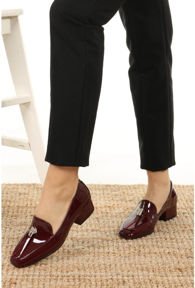 Mio Gusto Kadın Angela Bordo Rugan Kısa Topuklu Ayakkabı