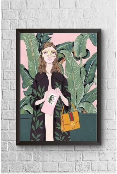 Lyn Home Gözlüklü Kadın Çerçeveli Poster Tablo 23,5 x 33,5 cm