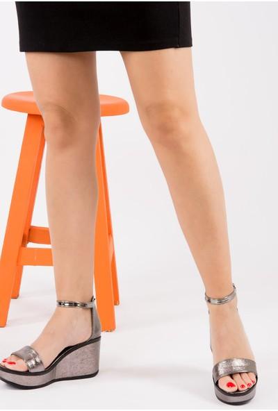 Fox Shoes Platin Kadın Dolgu Topuklu Ayakkabı H820000114