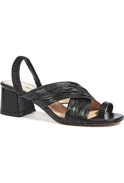Desa Dionis Kadın Deri Sandalet
