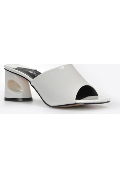 Vizon Ayakkabı Kadın Beyaz-Rugan Terlik VZN20-026Y