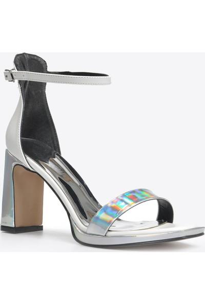 Vizon Ayakkabı Kadın Gümüş Klasik Topuklu Ayakkabı VZN20-023Y