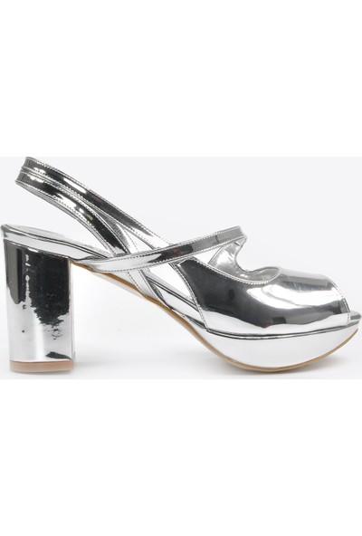 Vizon Ayakkabı Kadın Gümüş Klasik Topuklu Ayakkabı VZN20-046Y