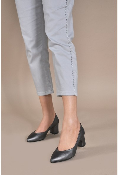 Vizon Ayakkabı Kadın Platin-Cilt Klasik Topuklu Ayakkabı VZN20-005Y