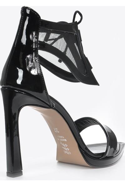 Vizon Ayakkabı Kadın Siyah-Rugan Klasik Topuklu Ayakkabı VZN20-033Y