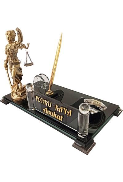 Mert Kristal M215 Adalet Terazili Isimlik Kalemli Kristal Masa Isimliği