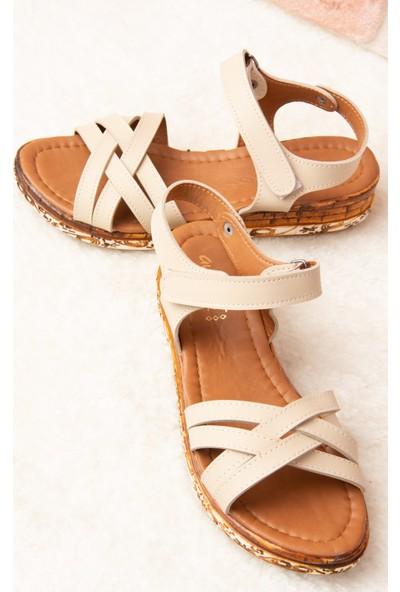 Fox Shoes Bej Kadın Sandalet F288061409