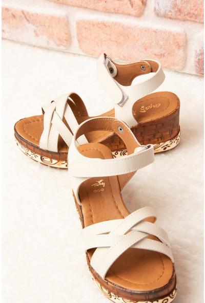 Fox Shoes Bej Kadın Sandalet F288071409