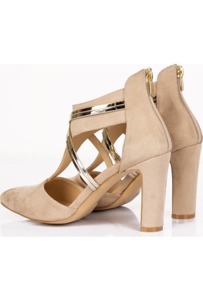 Beety Metalik Bantlı Önü Kapalı Ten Kadın Topuklu Ayakkabı - BY06.302
