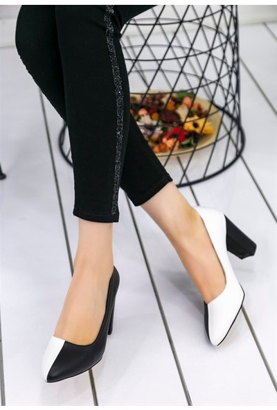 8Stil Dena Beyaz Siyah Topuklu Ayakkabı