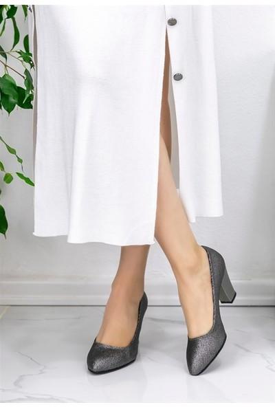 8Stil Sashi Platin Cilt Ayna Topuklu Ayakkabı