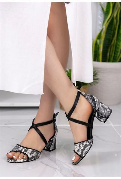 8Stil Sherry Vizon Cilt Desenli Topuklu Ayakkabı