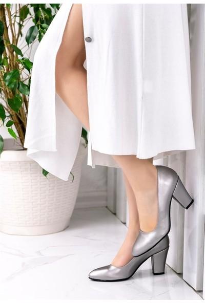 8Stil Tacito Koyu Gri Cilt Topuklu Ayakkabı