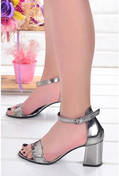 Ayakland 2013-05 Ayna Rugan 7 cm Topuk Kadın Sandalet Ayakkabı Platin
