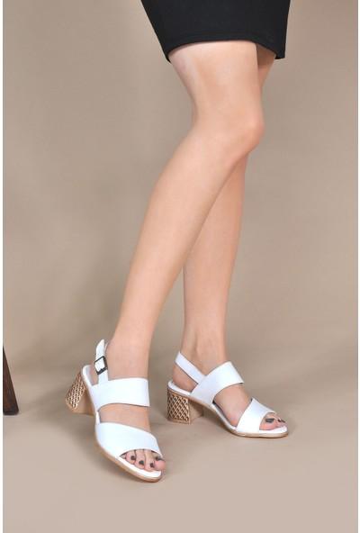 Vizon Kadın Beyaz Sandalet VZN20-078Y