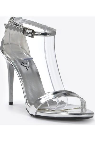 Vizon Kadın Gümüş-Rugan Klasik Topuklu Ayakkabı VZN20-072Y