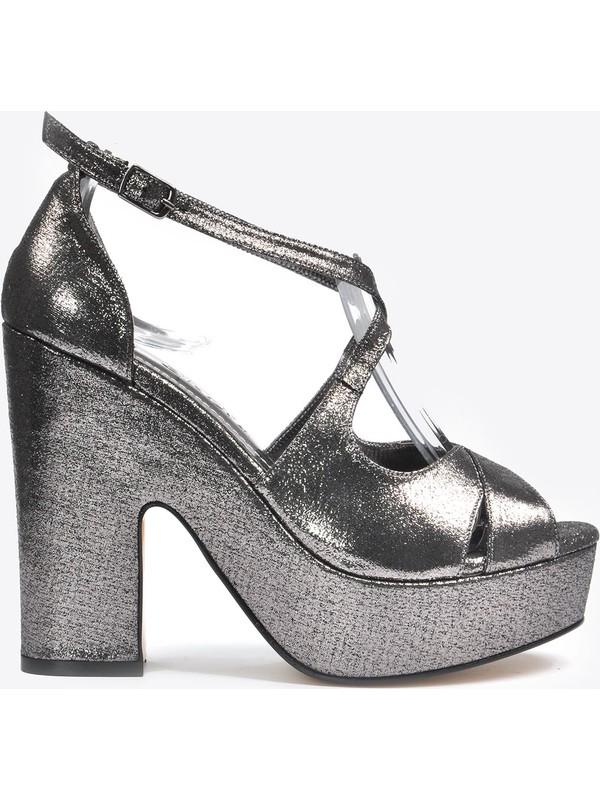Vizon Ayakkabı Kadın Gri Klasik Topuklu Ayakkabı VZN20-045Y