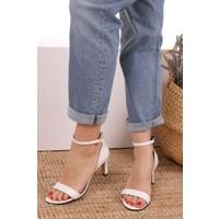 Mio Gusto Kadın Carrie Beyaz Tek Bantlı Sandalet