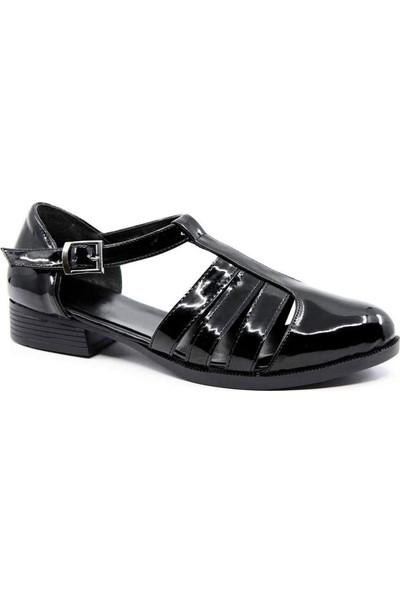 Carmine Siyah Rugan Köprü Kemer Kadın Ayakkabı