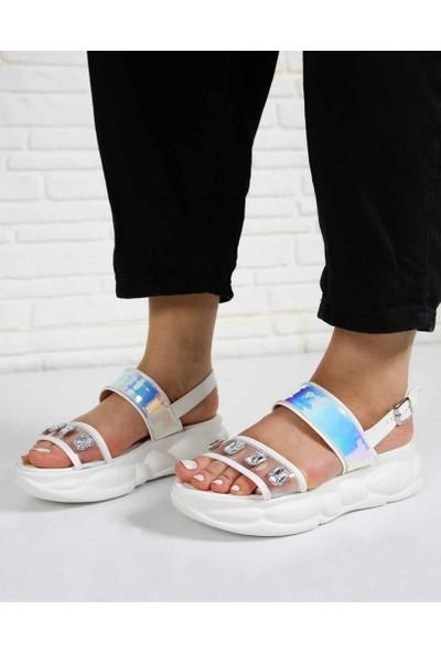 Crofton Beyaz Hologram Şeffaf Taşlı Kemer Poli Taban Kadın Sandalet