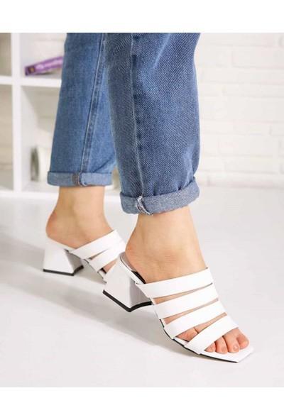 Terrance Beyaz Cilt Dört Kemer Topuklu Kadın Terlik