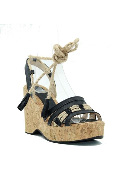 İNci Park Siyah Cilt Kadın Dolgu Topuk Sandalet 14-513